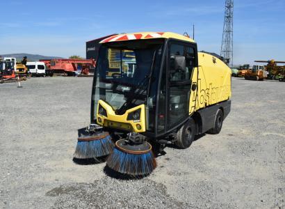 Johnston CN 200 Sweeper FZG NR: 877